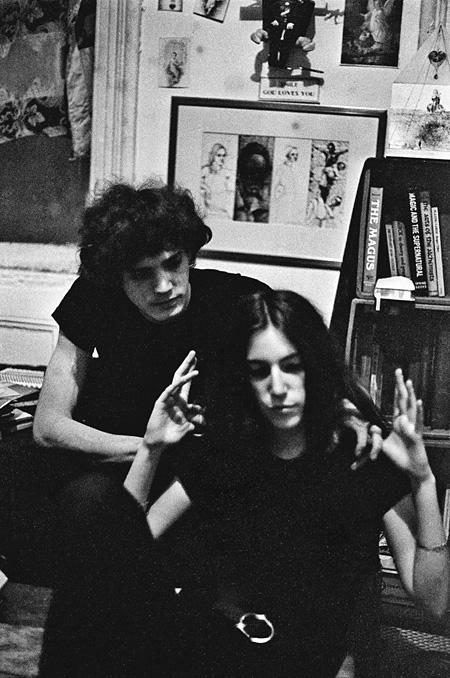 パティ・スミス(ブルックリンのホール・ストリートのアパートメントにて(1968年))