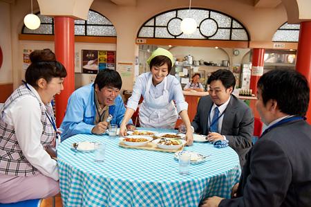 『体脂肪計タニタの社員食堂』 ©2013「体脂肪計タニタの社員食堂」製作委員会