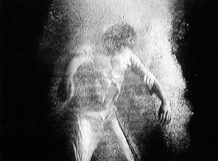ビル・ヴィオラ『パッシング』、1991年 ウィン・リー・ヴィオラの思い出に Photo: Kira Perov Courtesy Bill Viola Studio