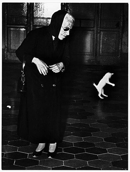 『死がやって来てお前の目を奪うだろう』より Author: Mario Giacomelli Title: Verrà la morte e avrà i tuoi occhi Year 1954-1968 ©Eredi Mario Giacomelli