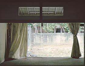 米田知子『Japanese House』より、日本統治時代に設立された台湾銀行の寮、後の中華民国中央銀行職員の家(齊東街・台北) 2010, type C Print, 65x83cm