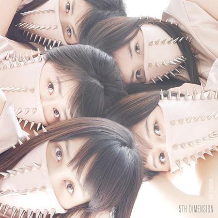 ももいろクローバーZ『5TH DIMENSION』通常盤ジャケット(Photo: Kenshu Shintsubo)