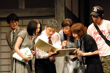 ナイロン100℃『わが闇』2008年初演より 撮影:引地信彦