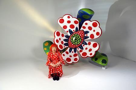『真夜中に咲く花』と草間彌生 2011 ©YAYOI KUSAMA