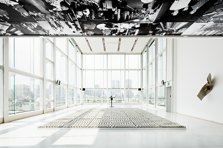 会場風景 ©Louis Vuitton / Jérémie Souteyrat Courtesy of Espace Louis Vuitton Tokyo