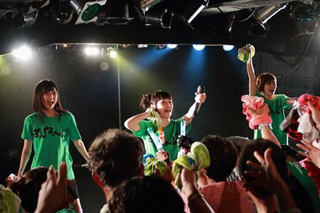 5月28日に開催された新潟・GOLDEN PIGS公演の模様