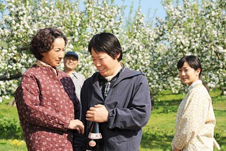 『奇跡のリンゴ』 ©2013「奇跡のリンゴ」製作委員会