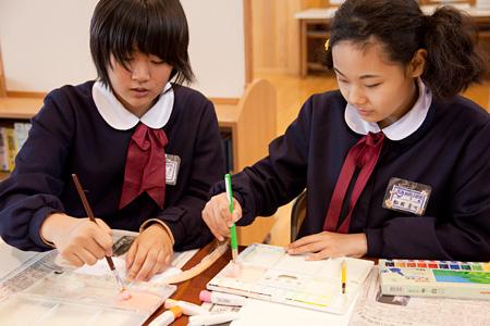 「世界色遺産」佐渡市立新穂小学校 写真:永野雅子