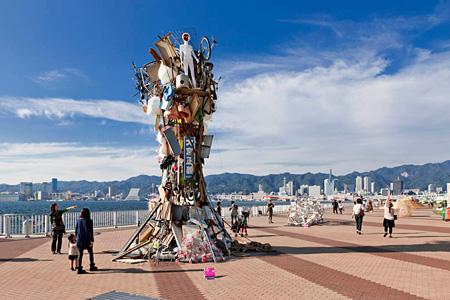 『神戸ゴミタワー』2011