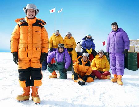 『南極料理人』 ©2009「南極料理人」製作委員会