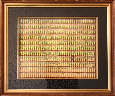 『みんなからのなか 1/429 星の子』2012年 紙粘土・石粉粘土・アクリル・ゼラチンカプセル・カラーサンド・シール