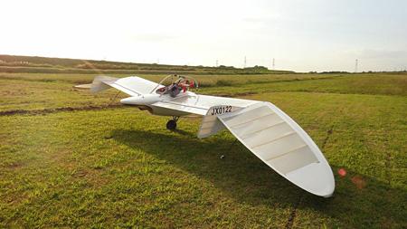 一人乗り自作航空機『M-02J』(作家蔵)