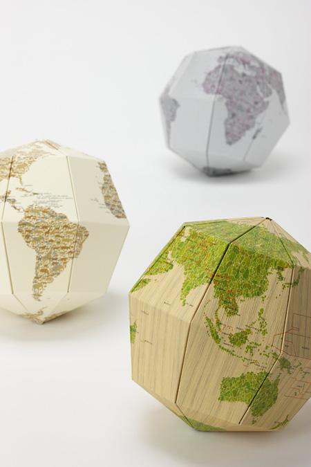 DRILL DESIGN『geografia 地軸23.4度 [マテリアル] 組立式地球儀』 2010年 / Photo: Ryokan Abe