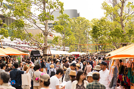 2013年5月に東京・中野セントラルパークで開催された『太陽と星空のサーカス』の様子