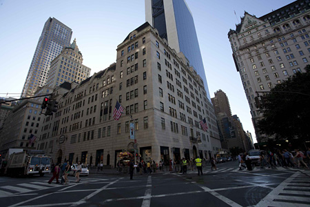『ニューヨーク・バーグドルフ 魔法のデパート』 ©2012 BG PRODUCTIONS, LLC. ALL RIGHTS RESERVED.