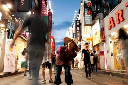 『日韓英国際共同制作「ONE DAY, MAYBE いつか、きっと」』メインビジュアル