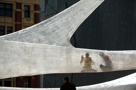 『Tape Melbourne』(2011)©NUMEN/FOR USE