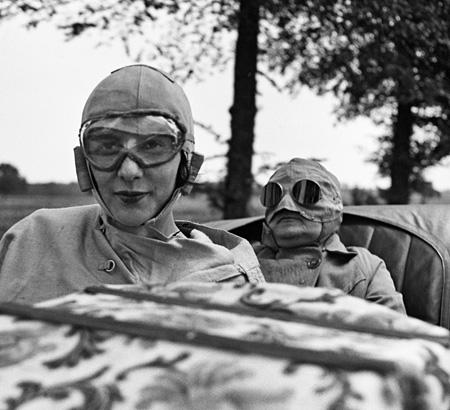 ジャック・アンリ・ラルティーグ『ビビとマミー、オンフルール 1922年6月 Photographie J H Lartigue(c)Ministère de la Culture - France / AAJHL