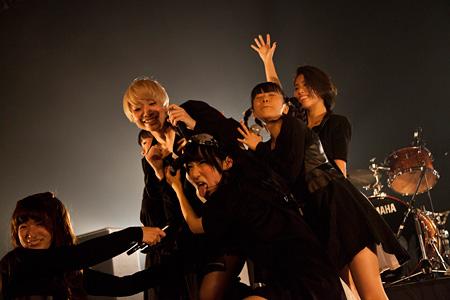 11月10日に東京・新木場のSTUDIO COASTで開催された『TOKYO BOOTLEG -7th anniversary Party-』の模様