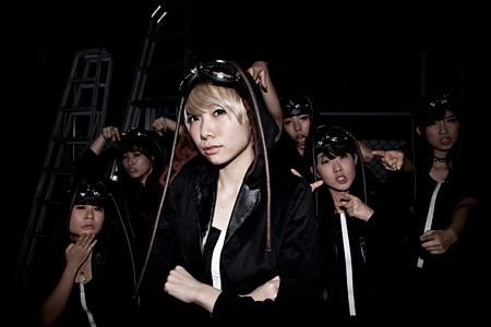 BiS(左から3人目が新メンバーのコショージメグミ)