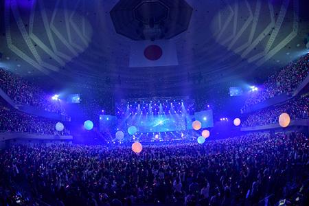 BUMP OF CHICKEN 2013 TOUR『WILLPOLIS』日本武道館公演のライブ写真 Photo by 古渓一道