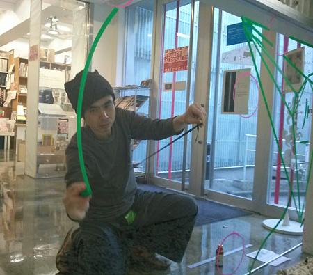 2013年12月14日にNADiff Window Galleryで行われた公開制作イベント『ガラスとわたし』の模様