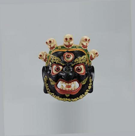 舞踏劇「チャム」の仮面「シンギェ」 地域:ティンプー 国名:ブータン 20世紀後半制作 国立民族学博物館蔵 写真提供:国立民族学博物館
