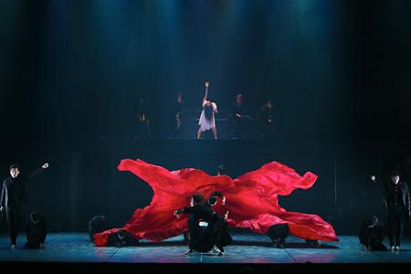 『ASTERISK』公演より ©Akira Wachi