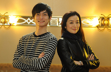 (画像:左から高良健吾、鈴木京香)