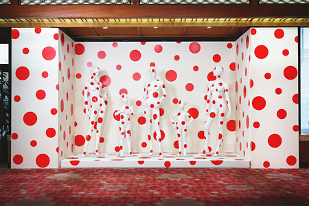 草間彌生が手掛けた宝荘ホテル ©YAYOI KUSAMA/Dogo Onsenart 2014 & HOTEL HORIZONTAL, All Rights Reserved