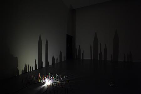 クワクボリョウタ『10番目の感傷(点・線・面)』2010年 NTTインターコミュニケーション・センター [ICC]での展示風景 撮影:木奥恵三