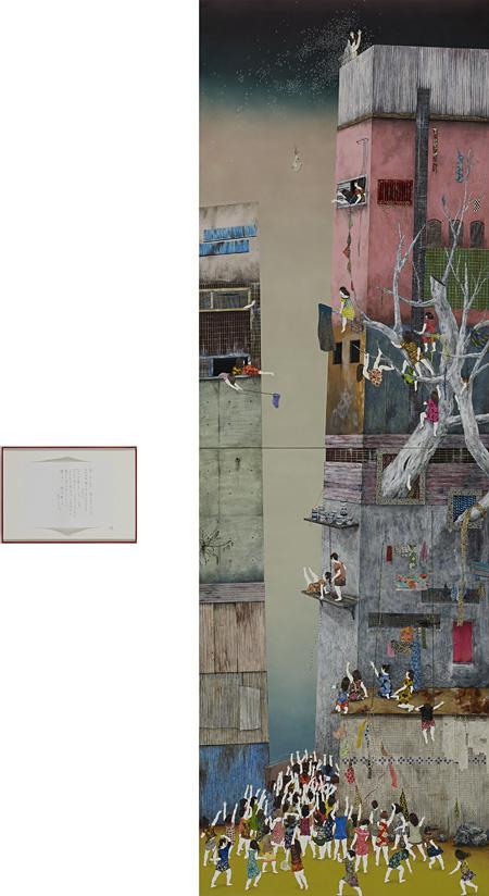 大坂 秩加『そんなに強くなってどうするのあなた』アクリル、白亜地、鉛筆、凹版、紙、パネル 400.0×130.0cm 29.7×42.0cm(左)