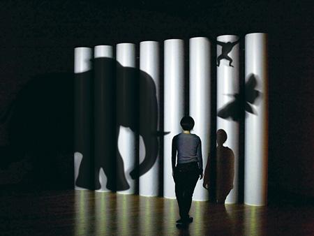 プラプラックス(近森基/久納鏡子/筧康明/小原藍)『CageforKage』 ©plaplax