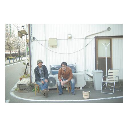 大島輝之&大谷能生『秋刀魚にツナ ~リアルタイム作曲録音計画』ジャケット