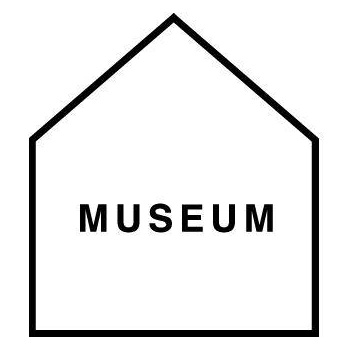 「MUSEUM」ロゴ