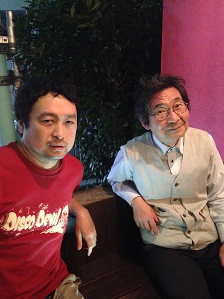 中原昌也(左)と井上弘久(右)