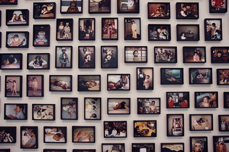 『Vox Populi, Tokyo』  2007, installation of 305 photographs, Courtesy of WAKO WORKS OF ART