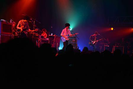 2014年5月19日に東京・SHIBUYA-AXで開催されたGRAPEVINEのライブの模様