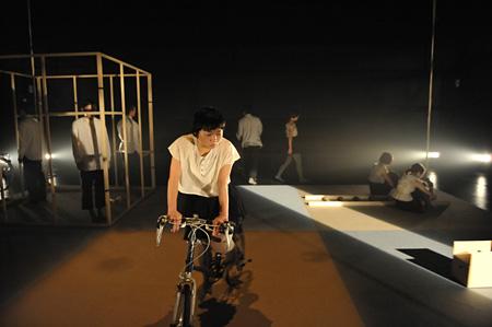 マームとジプシー『モモノパノラマ』撮影:橋本倫史