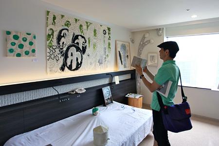 昨年の『ART OSAKA』の様子(アートゾーン神楽岡) ©ART OSAKA 2013