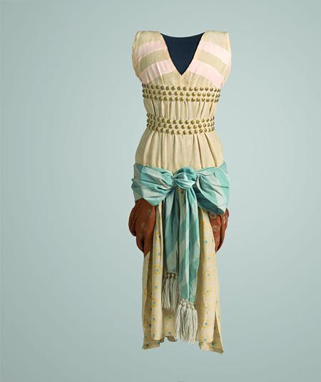 レオン・バクスト「シリア人女性」の衣裳(『クレオパトラ』より)1909-30年代 オーストラリア国立美術館