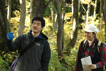 左:沖田修一