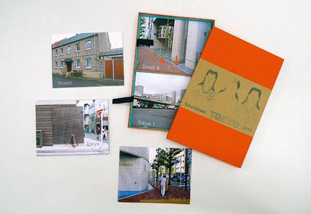 リタ・ヘンゼン『Tokyo-Box』2014年 / 5冊の冊子(写真と文章)と箱 / 箱:25×37×2.5cm ©Rita Hensen
