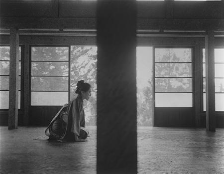 榮榮&映里『妻有物語』シリーズより 2014 ゼラチンシルバープリント ©RongRong & inri  Courtesy Mizuma Art Gallery