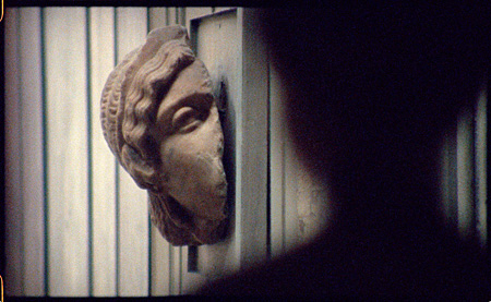 フィオナ・タン『インヴェントリー』 HD&ヴィデオ・インスタレーション 2012年 Courtesy of the artist and Frith Street Gallery, London; Wako Works of Art, Tokyo