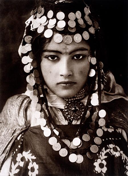 アルジェリア『ナショナル ジオグラフィック』誌1922年10月号掲載 ©LEHNERT&LANDROCK/National Geographic Creative ナショナル ジオグラフィック蔵