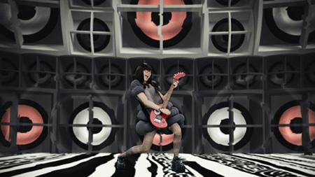 """きゃりーぱみゅぱみゅ""""きらきらキラー""""PVより"""