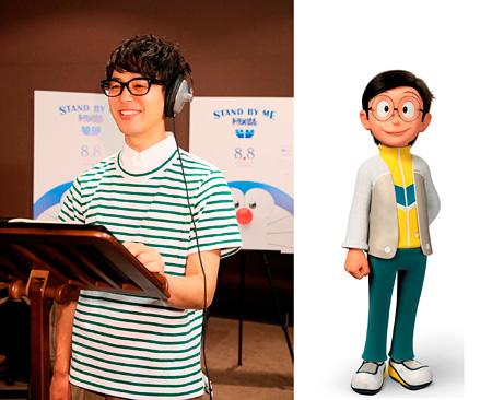 妻夫木聡アフレコ風景(左)と大人になったのび太のキャラクターイメージ ©2014「STAND BY MEドラえもん」製作委員会