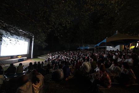 『星空の映画祭』過去の会場風景