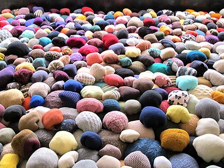 ゲッラ・デ・ラ・パス『Rocks』2013  courtesy of the Artist